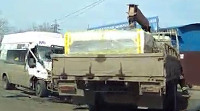 Женщина иребенок пострадали вДТП вЧелябинске