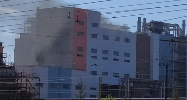 В Челябинске загорелся цинковый завод