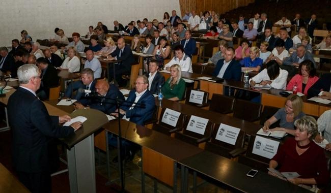 «Единая Россия» решила усилить свои позиции вГордуме Челябинска