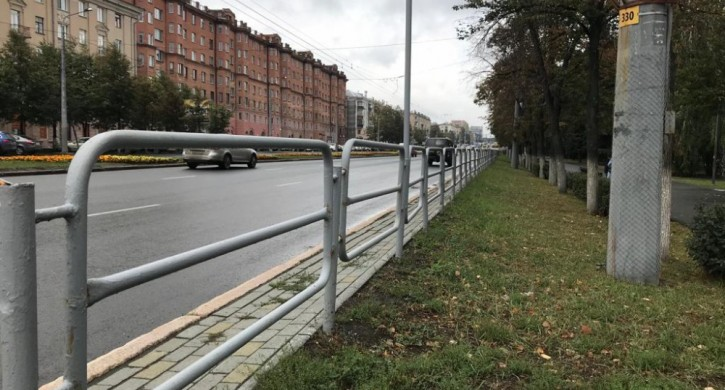 На проспекте Ленина в Челябинске могут убрать все дорожные ограждения