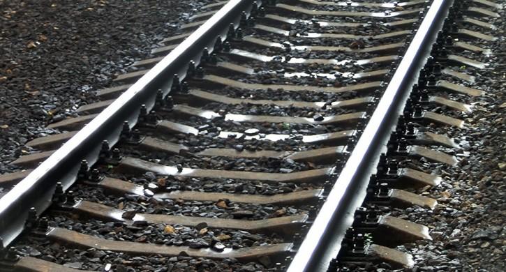 В Златоусте подростки разобрали железнодорожные рейсы и сдали их в металлолом
