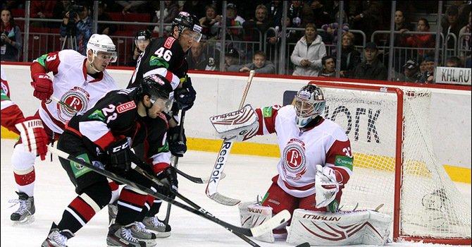 «Трактор» и «Металлург» проиграли первые матчи нового сезона КХЛ