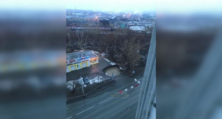 В Челябинске начался ремонт провалившегося коллектора