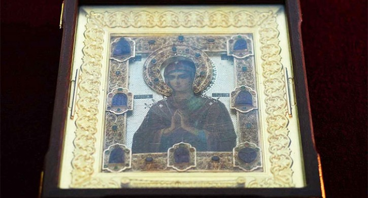 На Южный Урал везут мироточивую икону Божьей Матери