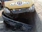 ...в 19 часов 25 минут на путепроводе «Челябинск-Главный» столкнулись две легковушки и маршрутное такси.