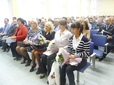 Челябинские школьницы, задержавшие грабителя, получили награды от