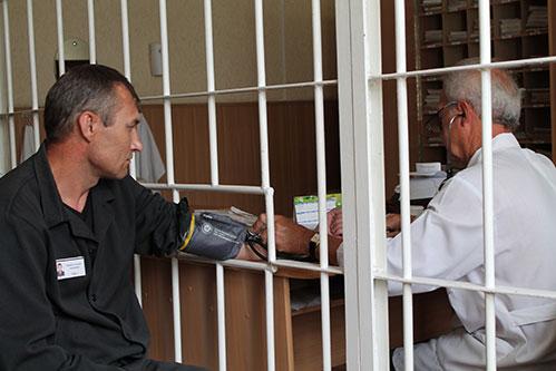 ФСИН требует утаивать причину смерти заключенных— медработники изКрасноярска