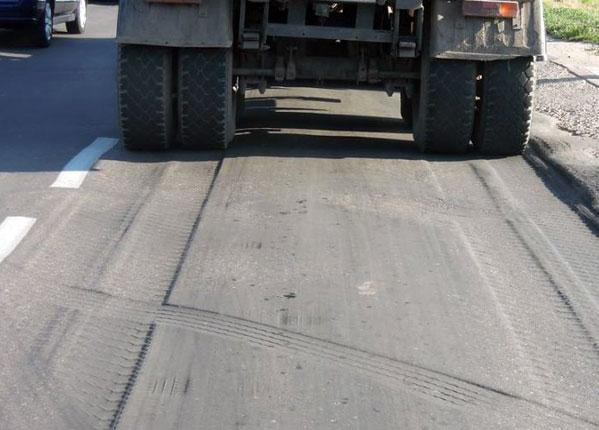 ГИБДД закрыла движение фургонов поучасткам 3-х автотрасс вЧелябинской области