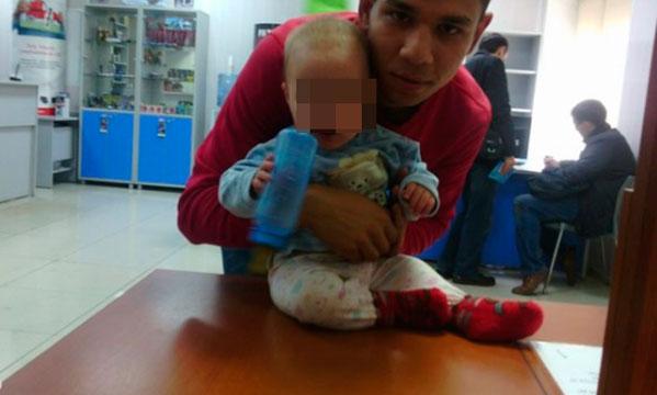 Новорожденного ребенка оставили налавочке одного