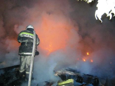 Пожарные час шли пешком, чтобы потушить горящий дом вСаткинском районе