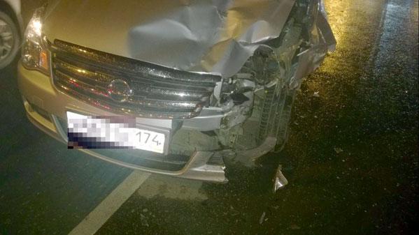 Мотоцикл вылетел на«встречку ипротаранил иномарку вЧелябинске: есть пострадавшие»