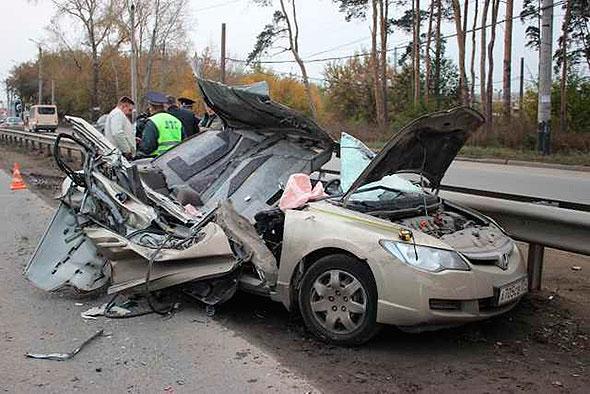 Всмертельном ДТП со«скорой» вЧелябинске погибли три человека