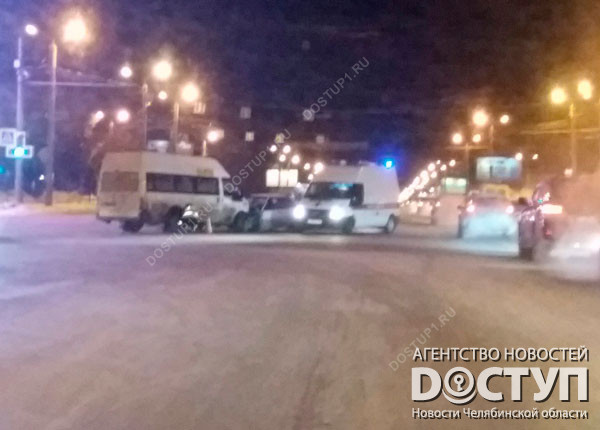 ВАЗ протаранил маршрутку насеверо-западе Челябинска