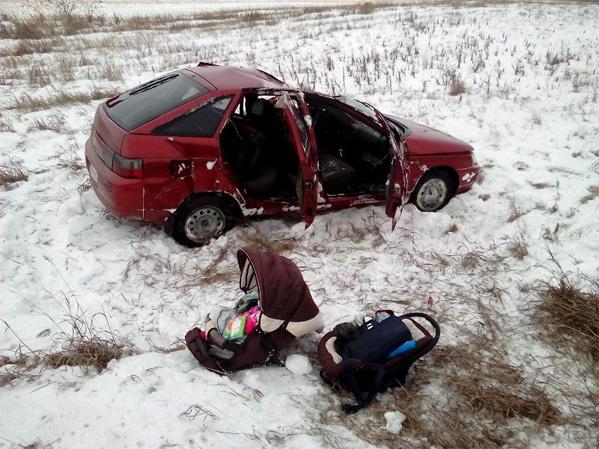 Наюжноуральской трассе вВАЗ отлетела пара колес: пострадал младенец