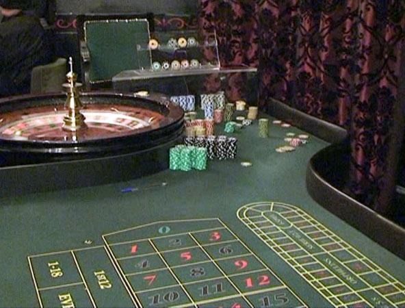Впомещении известного ресторана вЧелябинске накрыли подпольное казино
