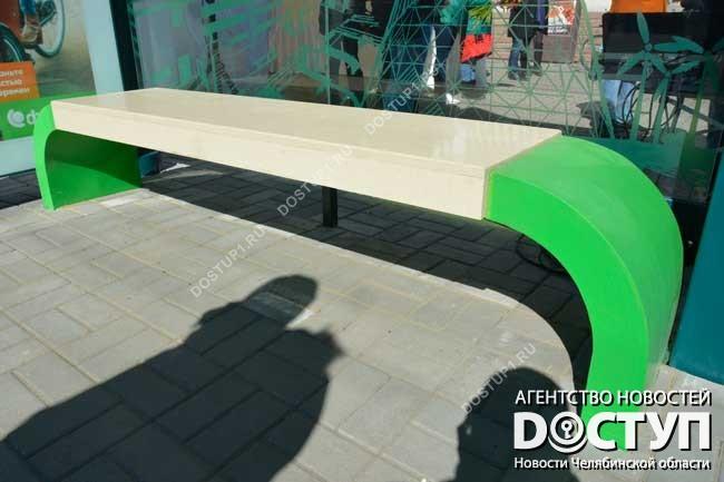 2-ая остановка степлыми лавочками иантивандальным покрытием появилась вЧелябинске