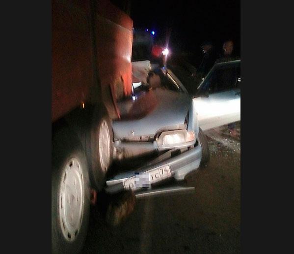 ВАЗ залетел под фургон вКыштыме. есть жертвы