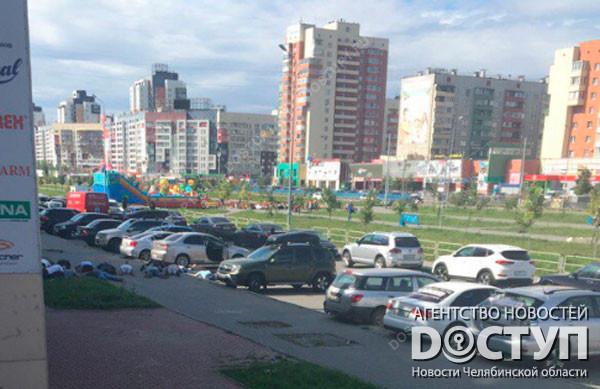 Милиция  иОМОН устроили облаву напротив грузинского ресторана вЧелябинске