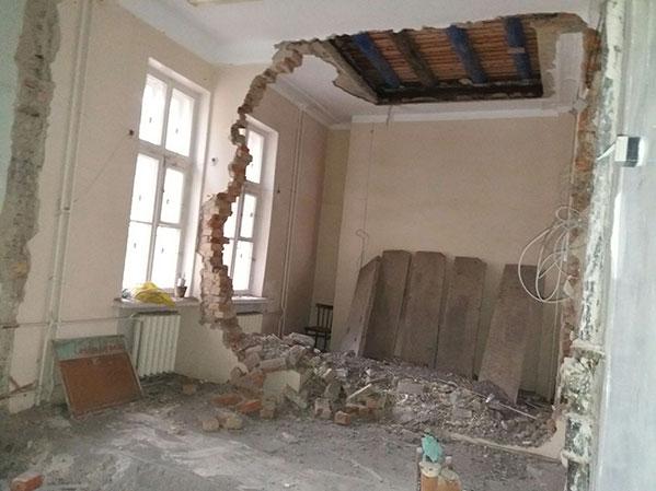 Стена обрушилась вдетской поликлинике под Челябинском