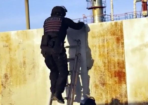 ВЗлатоусте полицейские арестовали банду, похитившую 4,5 тысячи тонн нефти