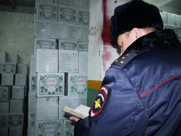 Наскладе вдеревне Абрамовка отыскали 17 тыс. бутылок контрафактного алкоголя