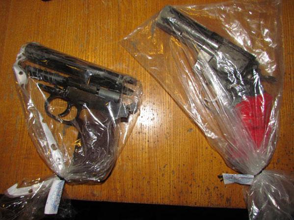Копейчанин ограбил спорт-бар сигрушечными пистолетами Сегодня в16:29