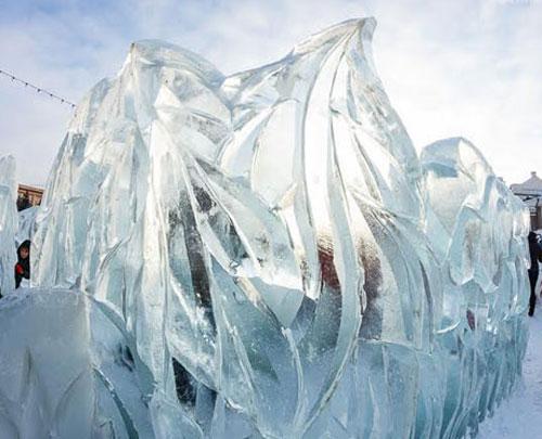 ВЧелябинске началось возведение основного ледового городка