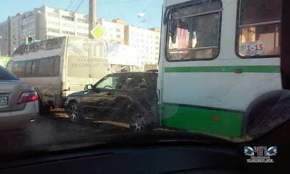 В милиции назвали детали массового ДТП савтобусом вЧелябинске
