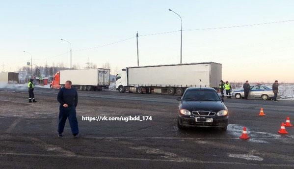 ВЧелябинской области шофёр ЗАЗа сбил сотрудника ДПС иврезался в фургон