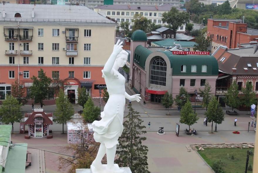 Статуи на челябинской Опере реставрировали 2 месяца