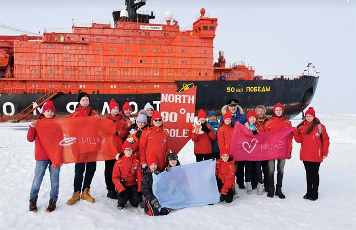 Школьница из Челябинска вернулась из путешествия на Северный полюс